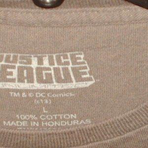 Justice League Shirts - Classic DC Comics Justice League T-shirt new large